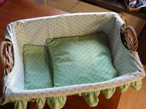 Babykörbchen mit Maträtzli, Decke und Kissen, zweifarbig